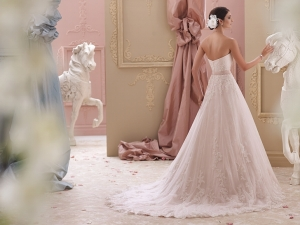 Mon Cheri Blakesley 115251 Ivory/T.Rose UK 16 was £1,795 now £650