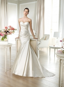 Janelle Ivory UK 14 was £1.050 now £450