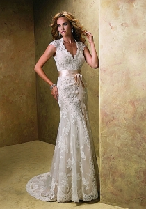 Maggie Sottero Bronwyn Ivory UK 12 was £1,150 now £400